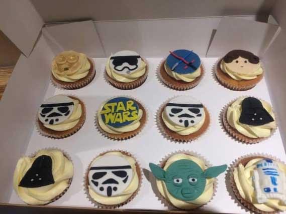 IMG_9534-705x529 Custom Cakes