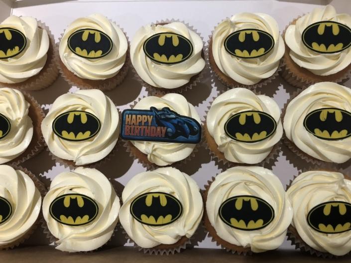 Batman-Printed-Topper-Custom-Cupcakes-705x529 Cupcake boxes
