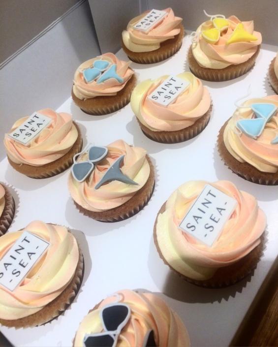Bikini-Custom-Cupcake-565x705 Cupcake boxes