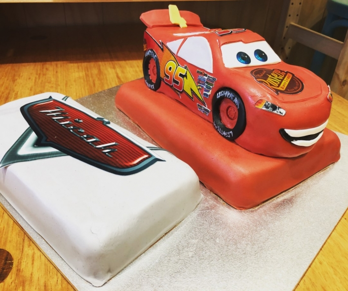 Disney-Cars-Lighting-Mcqueen-Custom-Birthday-Cake-705x589 Custom Cakes