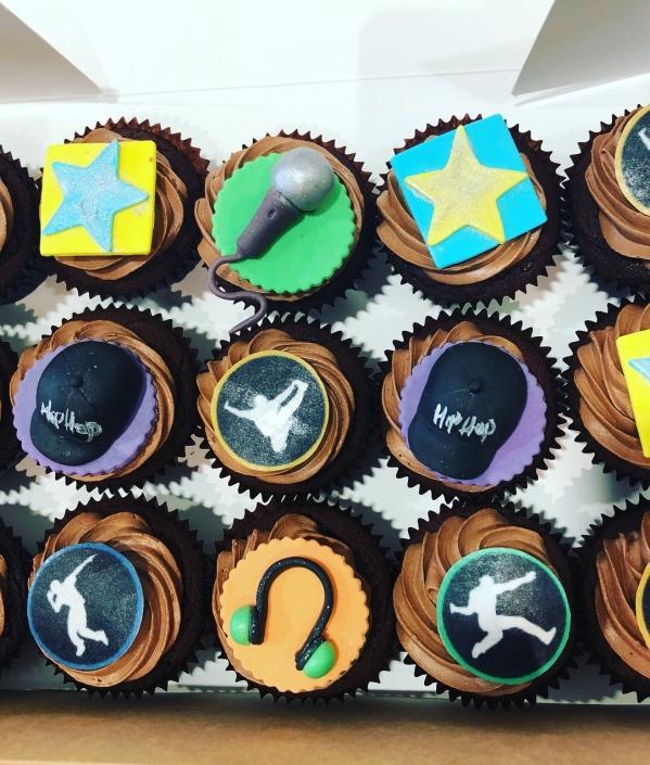 Hiphop-Theme-Custom-Cupcakes-599x705 Cupcake boxes