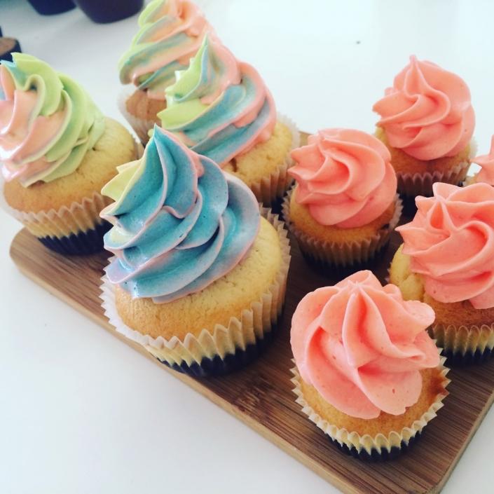 Rainbow-Icing-Cupcakes-705x705 Cupcake boxes
