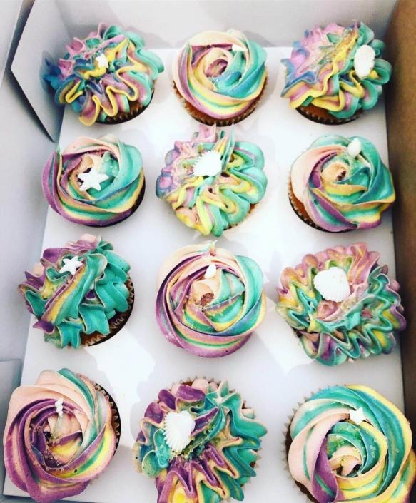 Rainbow-Sea-Shell-Cupcakes-583x705 Cupcake boxes