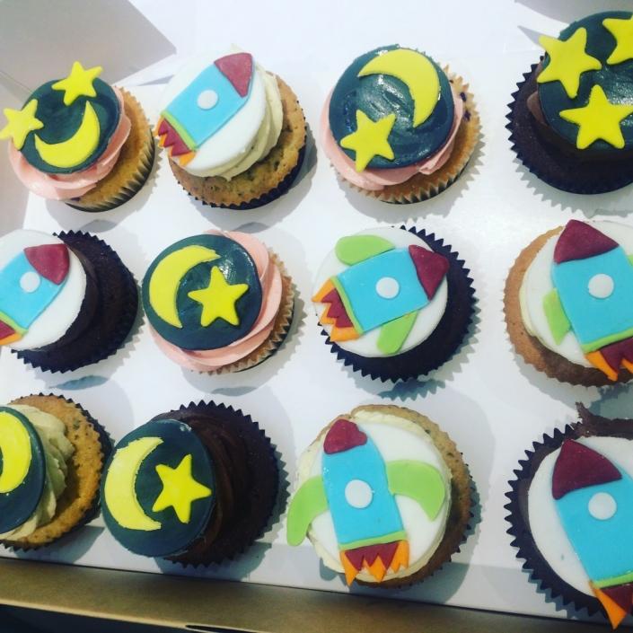 Star-and-Rocket-Ship-Custom-Cupcakes-705x705 Cupcake boxes