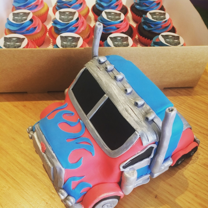 Transformers-Cake-and-Cupcakes-705x705 Cupcake boxes